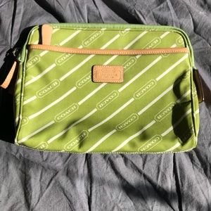 Coach leather ware travel/cosmetic bag green